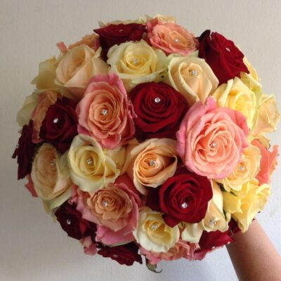Flowers By Isabel Wedding Florist Cluster of Mixed Roses
