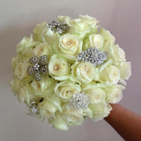 Flowers By Isabel Wedding Florist Modern Broach Handtie