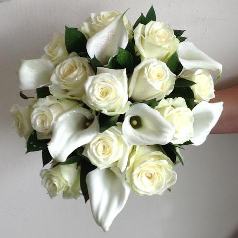 Flowers By Isabel Wedding Florist Stunning Classic Handtie